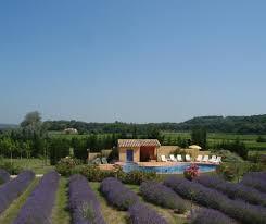 chambre d hote dans la drome avec piscine gîtes spacieux en pleine nature avec piscine au à suze la rousse