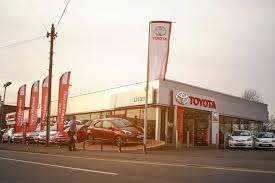 toyota car dealership listers toyota uk new u0026 used toyota dealers