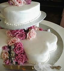 heart shaped wedding cakes 7 perfectly delicious sweet heart shaped wedding cakes for your