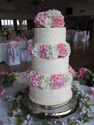 wedding cake buttercream pink and white hygrangea buttercream wedding cake the twisted sifter