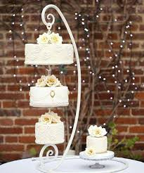 diy wedding cake stand diy chandelier cake stand hanging cake hanging wedding