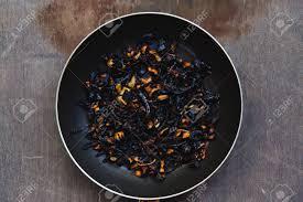 cuisine trop l échec de la cuisine les légumes carbonisés brûlés poêle à l