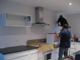 meubles hauts de cuisine pose des meubles hauts de la cuisine ma maison phenix