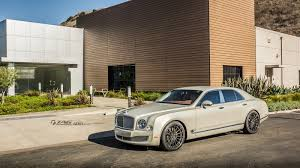 bentley mulsanne 2015 white bentley mulsanne stays graceful on 22