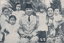 Puisi Sukmawati Sikap Guntur Soekarnoputra Terhadap Puisi Sukmawati Republika