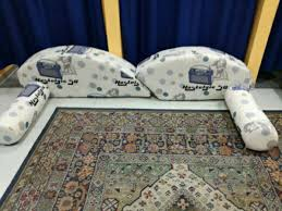 trasformare un letto in un divano cuscini per trasformare letto