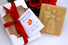 candy wedding favors groom vermont maple candy wedding favor pieces of vermont