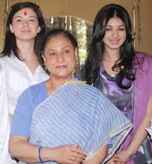 Jaya Bachchan Hot Pics - old actress indiatimes com