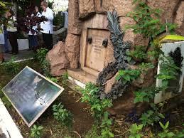 Túmulos de famosos são os mais visitados - Foto 1 - Rio de Janeiro ...