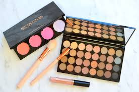 makeup revolution eyeshadow and blush palette review la poudre blog