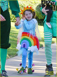 alyson hannigan u0026 family leprechaun hallowen costume 2013 photo