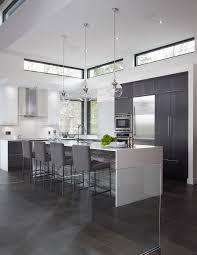 hauteur fenetre cuisine j aime le contour des fenêtres noires armoires de cuisine en