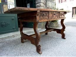 bureau antiquaire table bureau espagnol en noyer xviie xviie siècle n 40477