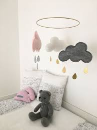 le babyzimmer must haves für das babyzimmer babybett wickelkommode babywiege