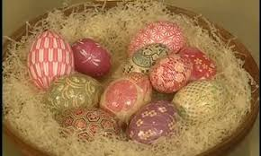 Decorating Easter Eggs With Origami Paper by Video Origami Egg Cups Martha Stewart