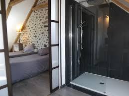 salle d eau dans chambre chambre d hôtes 9016 à lanobre chambre d hôtes 8 personnes cantal