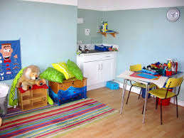 play therapy room sink and art table are good play rooms