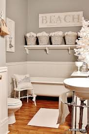 Ideas For White Bathrooms Best 25 Seaside Bathroom Ideas On Pinterest Beach Themed Rooms