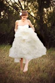 sell your wedding dress lhuillier sunday find it on preownedweddingdresses