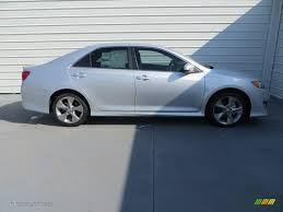 2013 toyota camry se silver 2013 silver metallic toyota camry se v6 86069239 photo 3