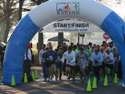 plymouth has the thanksgiving day runs plymouth turkey trot and
