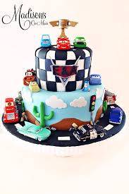 how to make a cake for a boy 138 best disney s cars cakes images on birthdays car