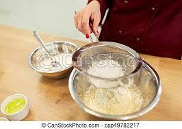 tamiser cuisine farine bol tamiser chef cuistot pâte confection pâte