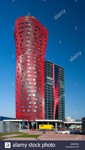 architektur reisen spanien barcelona katalonien porta fira turm roter turm