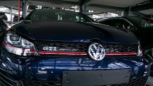 volkswagen will pay u s dealers 1 21 billion to settle claims