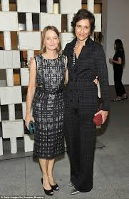 jodie foster cosies up to wife of two years alexandra hedison as