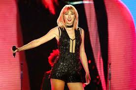 taylor swift halloween andy cohen recalls bringing up katy perry to taylor swift in new