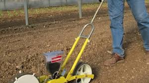 how to use common lawn edger and seeding and planting tools for