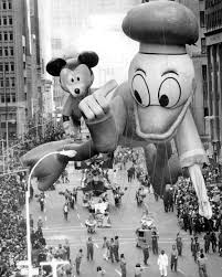 the first thanksgiving history balloons of the macy u0027s thanksgiving day parade