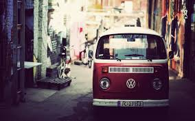 volkswagen bus wallpaper volkswagen kombi red desktop background hd 1920x1200 deskbg com