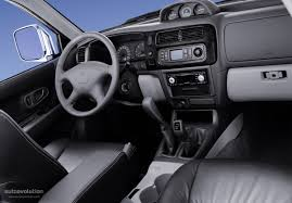 mitsubishi pajero interior 2004 mitsubishi pajero wagon best image gallery 10 14 share and