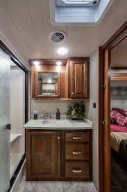 158 best bighorn luxury heartland rvs images on pinterest bighorn keeps your toes toasty with at least one heat duct in every bathroom bighorn heartlandto