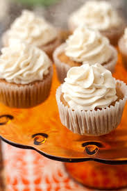 maple frosting pumpkin cupcakes w maple cream cheese frosting tide thyme
