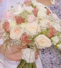 Wedding Flowers Hampshire Teardrop Bouquet Mrs Bouquet Fresh Flowers Hampshire Wedding