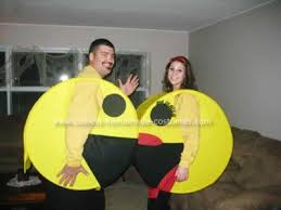 Pacman Halloween Costume Awesome Homemade Pacman Ghost Dogs Family Costume