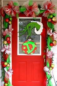 door decorations 25 amazing christmas door decorations 2017
