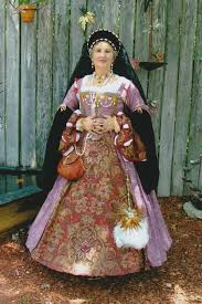 historical pattern review simplicity misses tudor costume 2589 pattern review by uber kitty