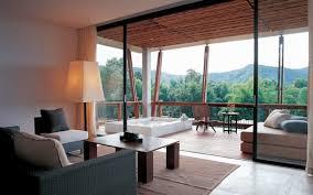 hotel chambre avec terrasse chambre d hôtel avec jaccuzi intérieurs inspirants et vues
