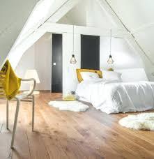 deco chambre sous comble amenagement chambre sous pente dacco chambre sous pente parquet