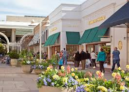 stanford shopping mall is an open air shopping complex that s