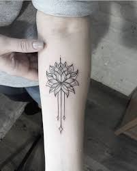 más de 25 ideas increíbles sobre tatuaje de loto en pinterest