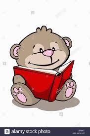 imagenes animadas oso un oso de dibujos animados leyendo un libro foto imagen de stock
