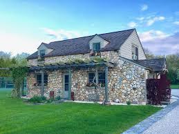 cozy gardener u0027s cottage on sprawling homeaway fairfield