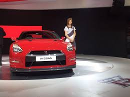 nissan gtr in snow nissan gt r r35 unveiled at auto expo 2016