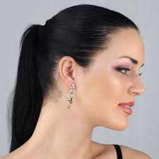 earrings girl 27 excellent women with earrings playzoa