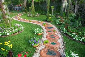 decorate your garden with river rock landscaping the best